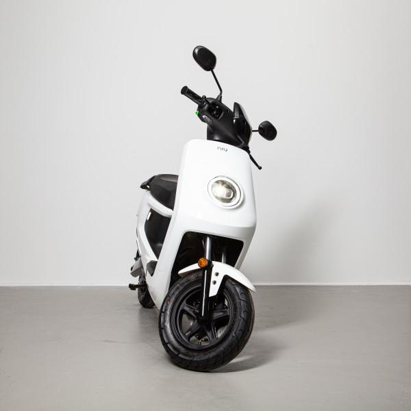 NIU MQi+ Sport weiß 45 km/h Elektroroller E-Roller L1e