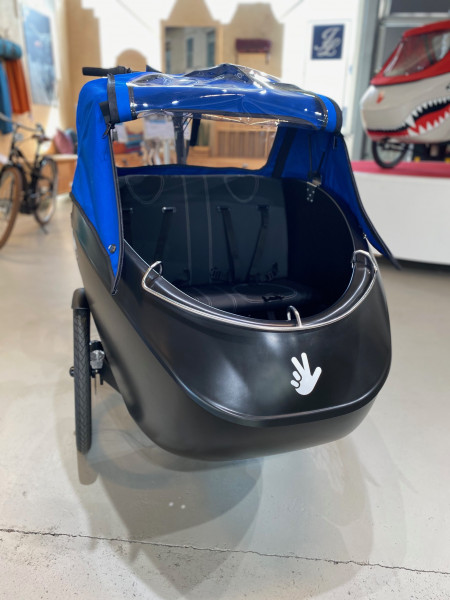 Triobike Mono Mid Drive inklusive Sitzbank, Seitenpolster & Verdeck